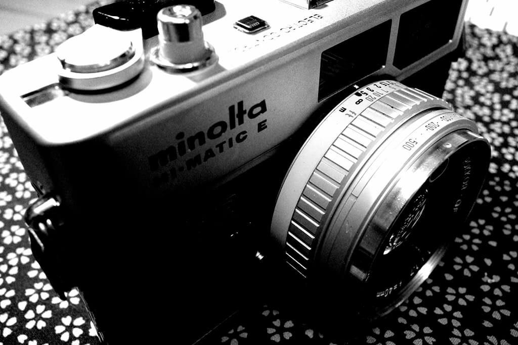 GR III で撮った minolta HI-MATIC E
